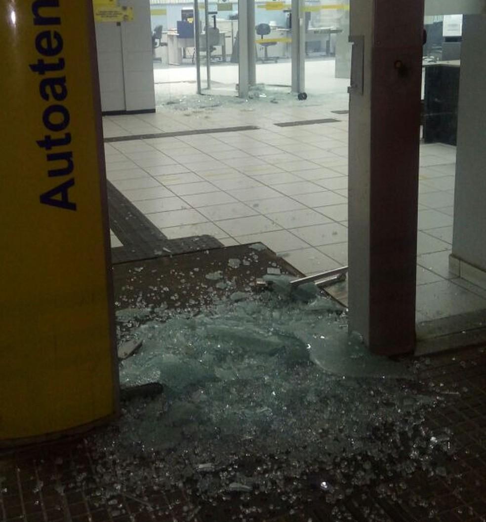 Caixa eletrônico da cidade de São Miguel foi alvo de ataque  (Foto: Divulgação/PM)