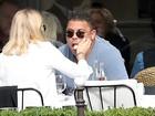 Ronaldo Fenômeno tem almoço romântico com Celina Locks na França