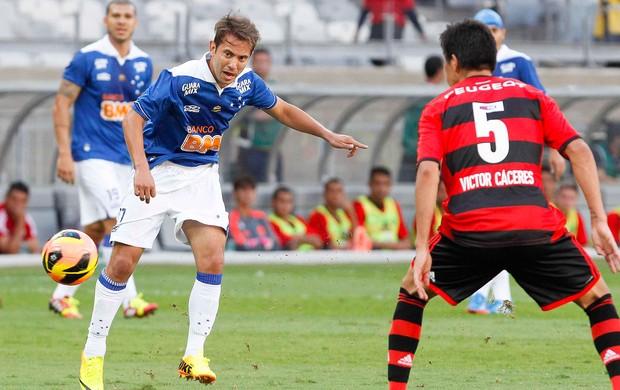 Everton Ribeiro jogo Cruzeiro contra Flamengo (Foto: Washington Alves / Vipcomm)