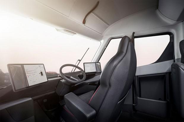 O novo Tesla Semi, o caminhão elétrico que faz 800 km com uma única carga (Foto: Divulgação)