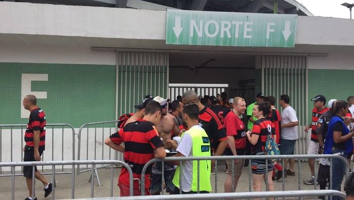 Torcedor acusado de furto no Maracanã Flamengo x Corinthians (Foto: Raphael Zarko)