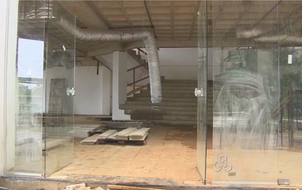 Obras do teatro iniciaram há 16 anos (Foto: Bom Dia Amazônia)