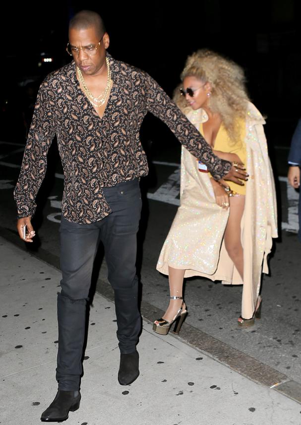 Jay Z e Beyoncé na porta do aniversário da diva  (Foto: AKM-GSI)