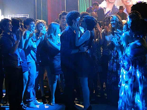 'Nosso amor é infinito... É pra sempre', disse Gabriel para Alexia (Foto: Malhação / TV Globo)