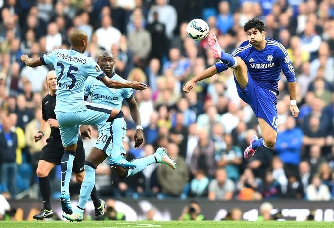 Fernandinho e Diego Costa, Manchester City X Chelsea (Foto: Getty Images)
