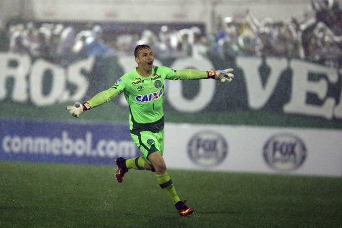 Danilo Chapecoense x Junior Barranquilla (Foto: Marcio Cunha/EFE)