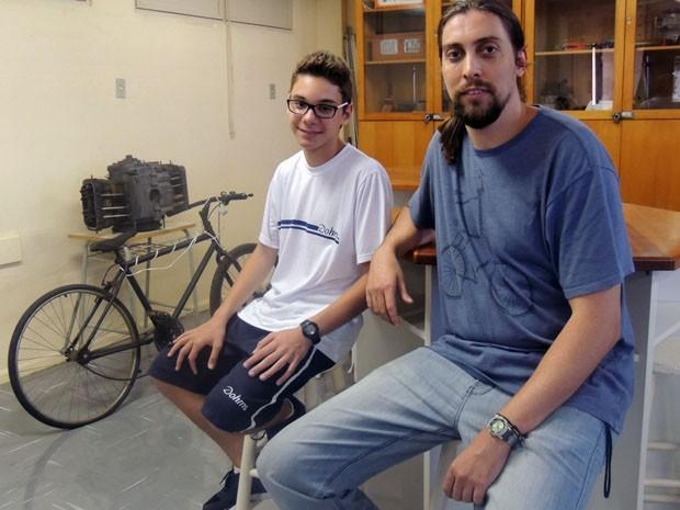 Elias foi um dos selecionados em concurso da Marinha e foi incentivado pelo professor Rafael (Foto: Luiza Carneiro/G1)