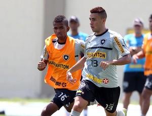 cidinho gabriel botafogo treino (Foto: Ivo Gonzalez / Agência o Globo)
