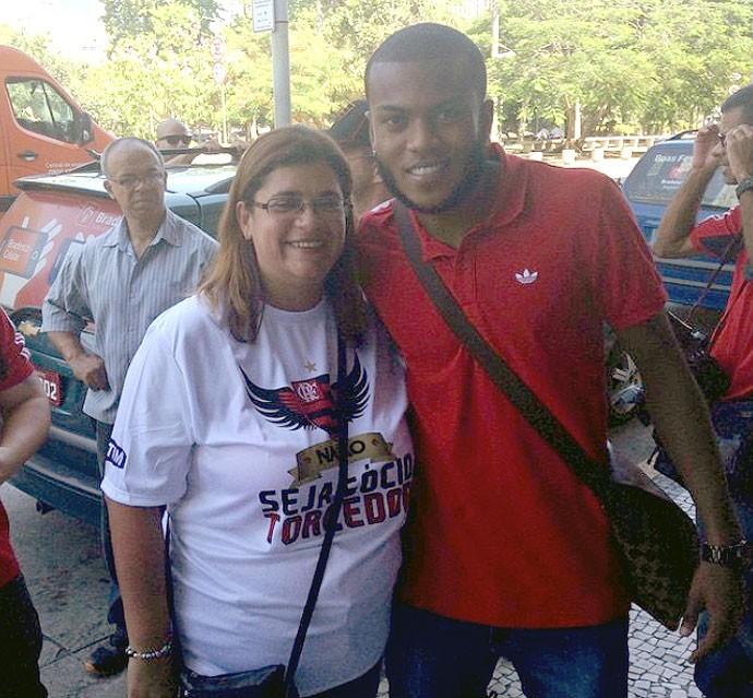 Marcelo Cirino com torcida do Flamengo (Foto: Reprodução / Instagram)