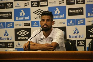 Léo Moura lateral-direito Grêmio (Foto: Beto Azambuja/GloboEsporte.com)