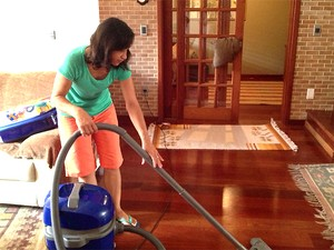 Elizabeth Lima trbalha há 15 anos como doméstica (Foto: Rberson Ricci/G1 Campinas)