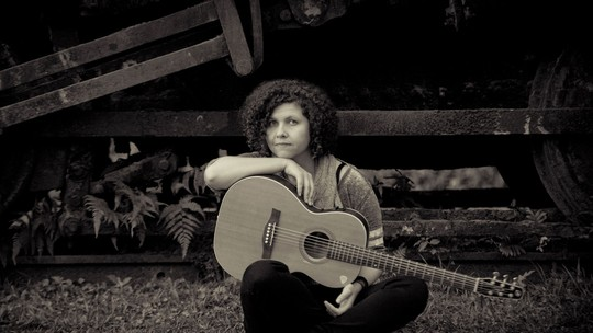 Roberta Campos canta tema de abertura de 'Sol Nascente'