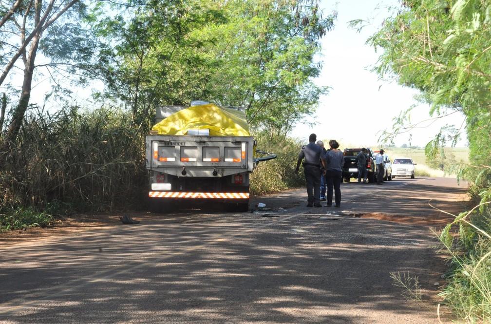Acidente foi na manhã desta segunda-feira (19), em Pacaembu (Foto: Augusto Santos/O Pacaembuense)