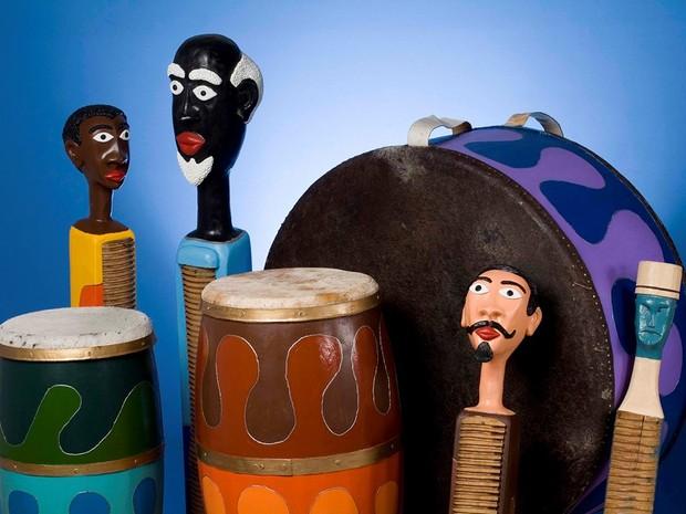 Instrumentos de congo e casaca (Foto: Divulgação/Governo do ES)