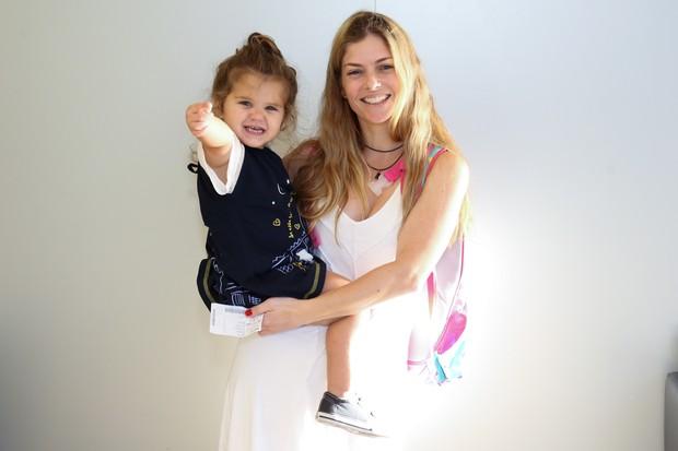 Ana Paula Tabalipa e Mia (Foto: Roberto Filho / BRAZIL NEWS)
