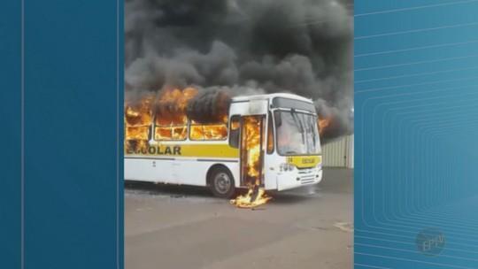 Menor confessa que ateou fogo a ônibus em Orlândia, mas diz que não tinha intenção