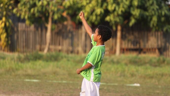 Escolinha de futebol em Ji-Paraná revela novos atletas (Foto: Pâmela Fernandes)