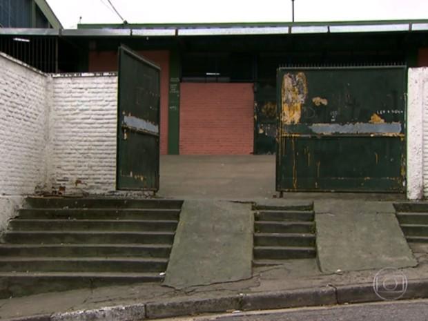 Caso de estupro ocorreu na Escola Estadual Leonor Quadros, no Jardim Miriam, na Zona Sul de SP, segundo vítima (Foto: Reprodução TV Globo)