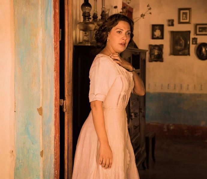 A atriz dará vida a Eulália, mulher do revolucionário capitão Ernesto Rosa (Foto: Caiuá Franco/ Globo)