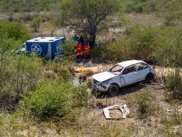 Caso ocorreu a três quilômetros de onde oito pessoas morreram em um acidente de ônibus (Foto: Blog do Jeferson Almeida)