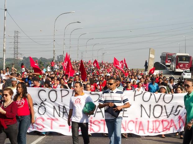 SP protesto Copa Marginal Pinheiros nova (Foto: Dario Oliveira/Código19/Estadão Conteúdo)