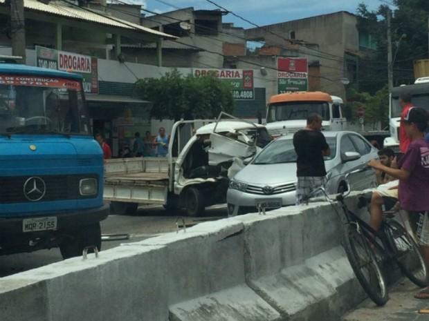 Acidente aconteceu próximo ao porto de Capuaba, na BR-447. (Foto: Leitor / A Gazeta)