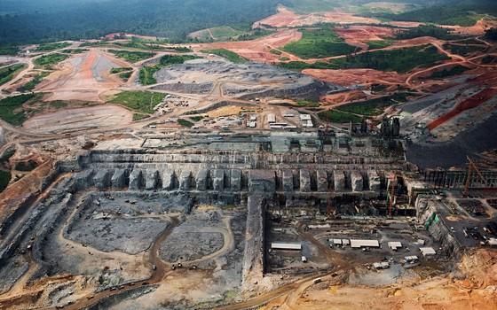 GRANDES OBRAS Usina de Belo Monte, no Pará, em 2013. Construir é o principal plano de desenvolvimento do governo (Foto: Lalo de Almeida/Folhapress)