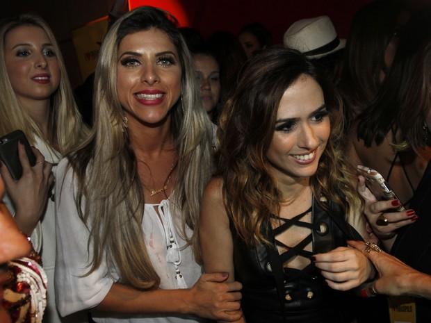 Ana Paula Minerato e Tatá Werneck em festa de I love Paraisópolis em São  (Foto: Celso Tavares/ EGO)