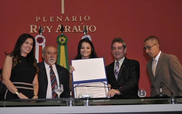 Bianca Maia ginasta título de cidadã benemérita do Amazonas (Foto: Elisa Garcia Maia/Aleam)