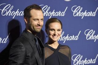 Natalie Portman e o marido, Benjamin Millepied, em prêmio de cinema em Palm Springs, Califórnia, nos Estados Unidos (Foto: Frazer Harrison/ Getty Images/ AFP)