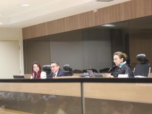 Juíza Maria Zilnar Coutinho Leal presidiu a audiência (Foto: Beto Marques/G1)
