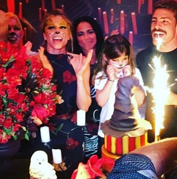 Grazi Massafera e Cauã Reymond celebram aniversário de filha, Sofia (Foto: Reprodução)