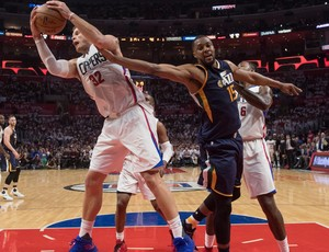 Blake Griffin e Derrick Favors Clippers x Jazz NBA (Foto: Reuters)