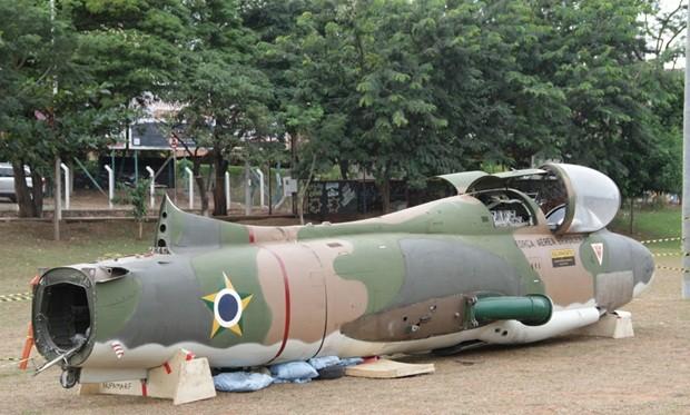 Avião começa a ser montado no Parque da Represa de Rio Preto (Foto: Por Prefeitura de São José do Rio Preto)