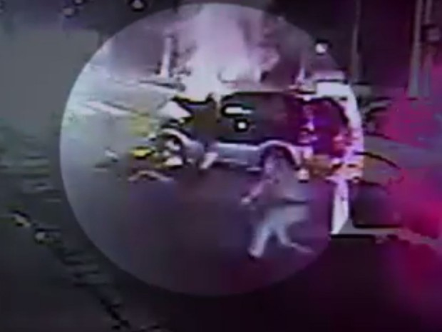 Perseguição a menores que teriam furtado carro na Vila Andrade, Zona Sul de São Paulo (Foto: TV Globo/Reprodução)