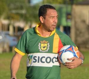 Artur Oliveira, técnico do Galvez (Foto: Murilo Lima)