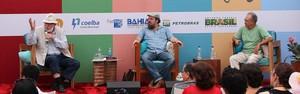 Debate aborda cultura popular e xilogravuras na 1ª mesa do sábado (Egi Santana/Flica)