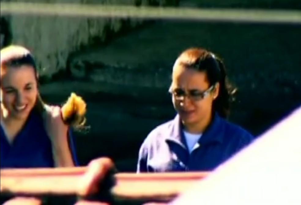Suzanne von Richthofen e Anna Carolina Jatobá na prisão (Foto: Reprodução/TV Globo)