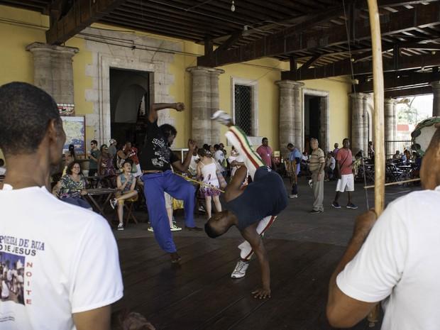 Térreo do Mercado Modelo também possui diversas cantinas e lanchonetes, além da roda de capoeira (Foto: Egi Santana/ G1)