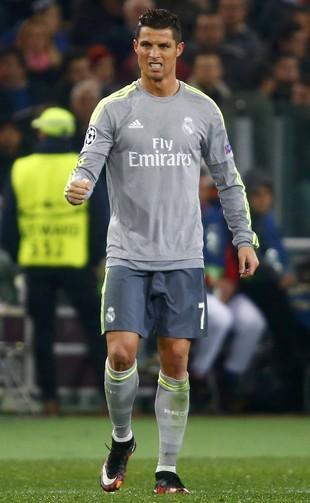 b954ce63e0 Cristiano Ronaldo comemora gol diante do Roma (Foto  REUTERS Tony Gentile)