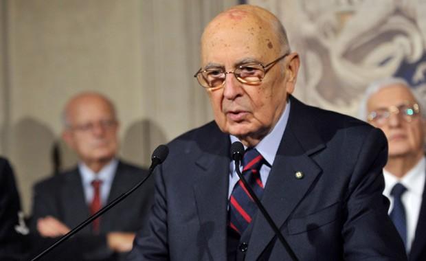 O presidente da Itália, Giorgio Napolitano, anuncia neste sábado (22) em Roma a dissolução do Parlamento (Foto: AFP)