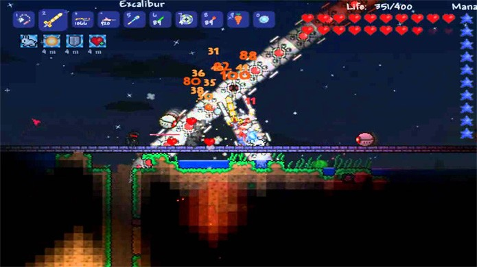 O chefe The Destroyer é um dos primeiros que você enfrentará no Hard Mode de Terraria (Foto: Reprodução/YouTube)