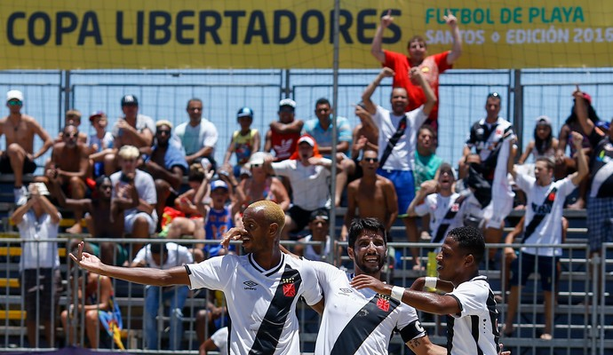 Catarino, Jorginho e Boquinha Vasco Libertadores futebol de areia (Foto: Marcello Zambrana/DGW)