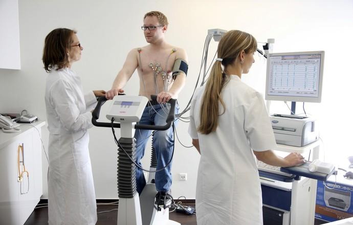 euatleta coluna nabil exames médicos (Foto: Getty Images)