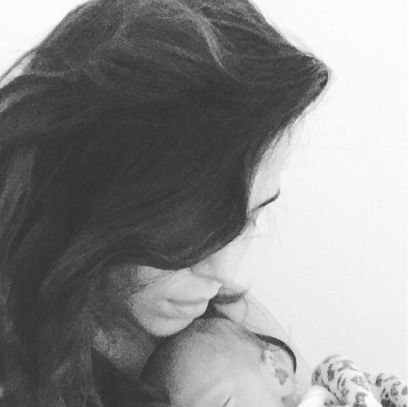 Tainá Muller com o filho Martin (Foto: Reprodução/Instagram)