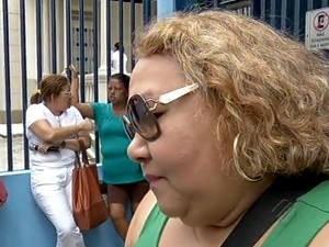 Aposentada Vânia Beckman reclama que não consegue receber todo o valor da aposentadoria (Foto: Reprodução/TV Liberal)