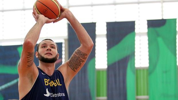 Caio Torres basquete seleção brasileira treino  (Foto: Gaspar Nóbrega/Inovafoto)