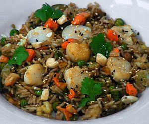 Receita de arroz colorido com vieiras