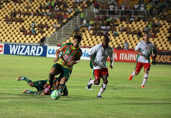Atacante Siloé só jogou primeira partida como titular na penúltima rodada, contra o Boa Esporte (Foto: Biné Morais/O Estado)