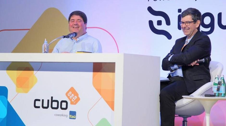 Pedro Moreira Salles e Ricardo Guerra durante o Cubo Conecta (Foto: Divulgação)